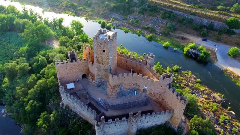 крепостта Алмурол в Португалия