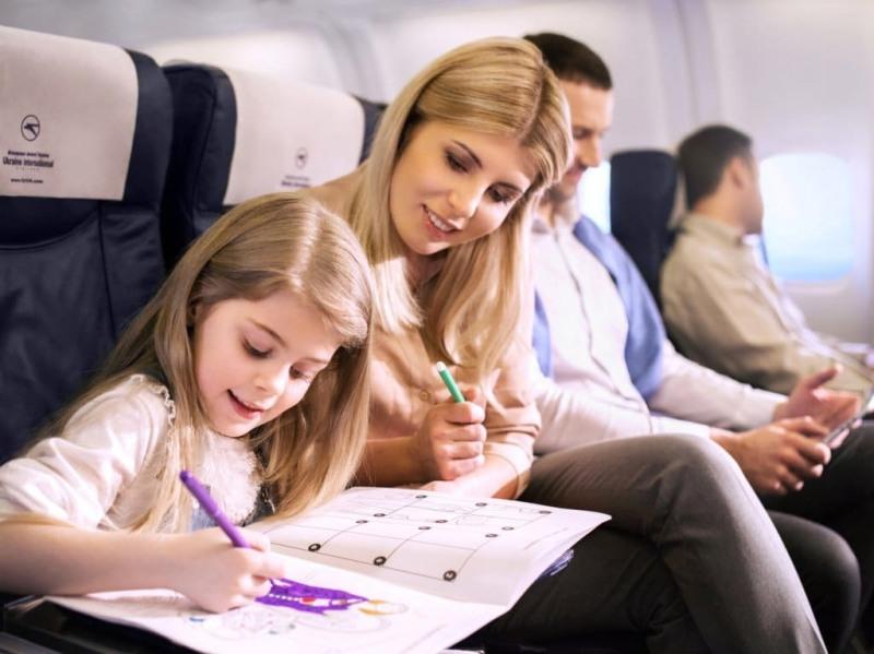 в самолет с малко дете