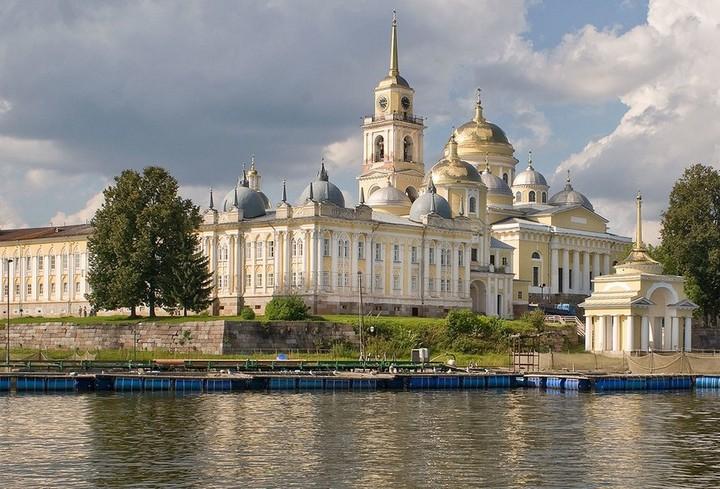най - живописния манастир в русия