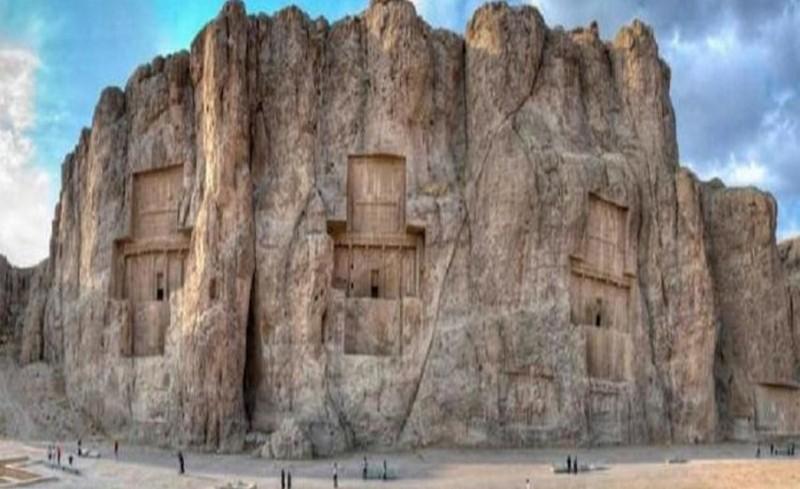 Екскурзии и почивки до Накш-и Рустам